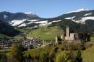 Schloss Reinegg mit Blick auf Sarnthein